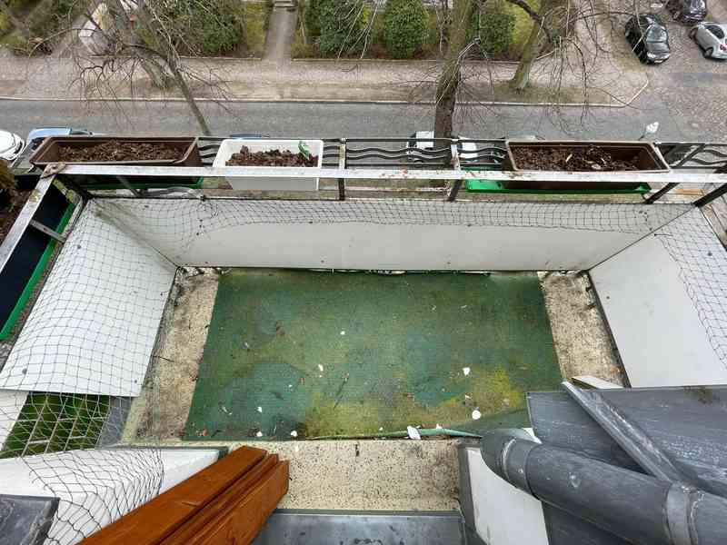 Die Reinigung ist nicht nur praktisch sondern auch ein gutes Gefühl für die Seele, bevor der neue Terrassenboden auf dem Balkon verlegt wird.